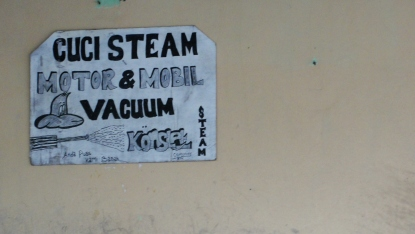 """steam clean motorcycle and car / vacuum"""